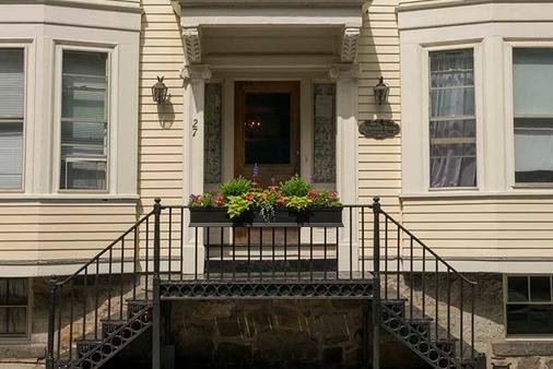 Cleveland House - Newport - Toà nhà