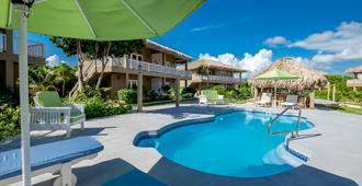 Sapphire Beach Resort - San Pedro Town - Bể bơi