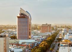 Hilton Garden Inn Lusaka Society Business Park - Lusaka - Edificio
