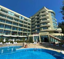 棕櫚海灘飯店 - 式
