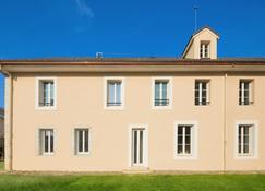 m3 Hôtel Ferney - Ferney-Voltaire - Bygning