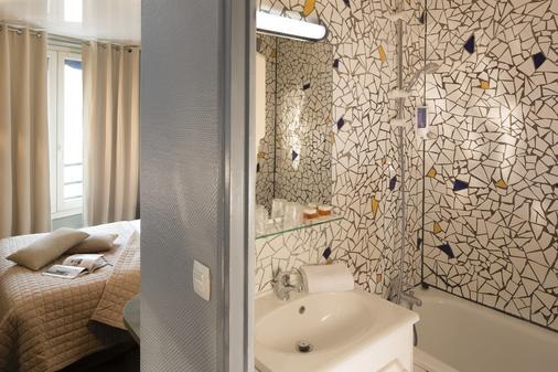 Hotel Beaumarchais - Paris - Bathroom
