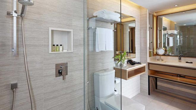 Amari Phuket - Bãi biển Patong - Phòng tắm