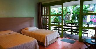 Sematan Palm Beach Resort - Kuching - Habitación