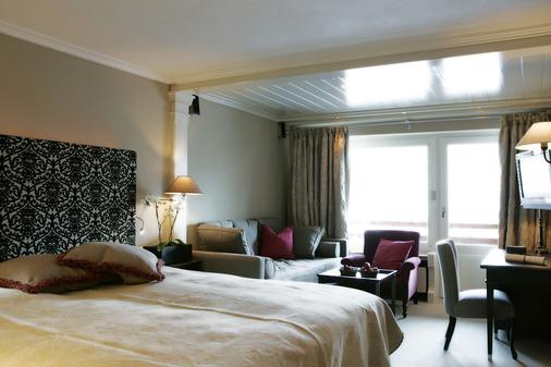 Hotel Der Berghof - Lech am Arlberg - Bedroom