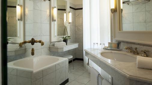 Le Dokhan's, a Tribute Portfolio Hotel, Paris - Pariisi - Kylpyhuone
