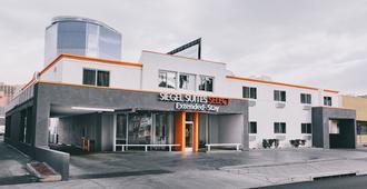 Siegel Select Convention Center - Las Vegas - Building