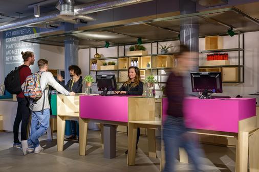 Stayokay Amsterdam Vondelpark - Amsterdam - Front desk