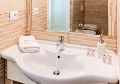 Onda Marina Rooms - Cagliari - Bathroom