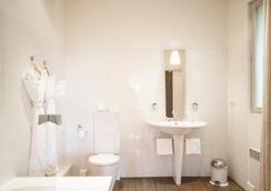 Grand Hotel Nord-Pinus - Arles - Bathroom