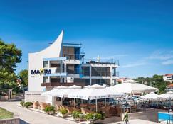 Hotel Maxim - Božava - Edificio