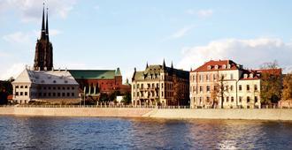 WenderEDU Business Center - Wroclaw - Building
