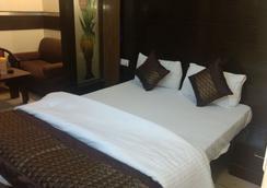 Hotel Sun Village - New Delhi - Bedroom