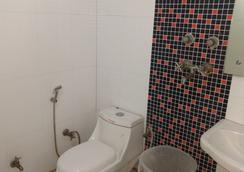 Hotel Sun Village - New Delhi - Bathroom