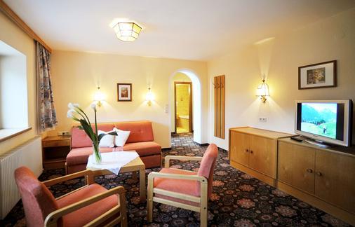 Thermal Badhotel Kirchler - Tux-Vorderlanersbach - Living room