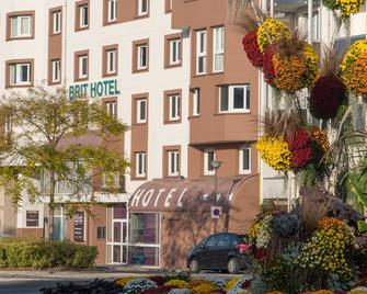 Brit Hotel Tours Sud - Le Cheops - Joué-lés-Tours - Building