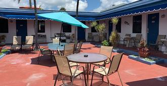 Hollywood Beach Hotels - Hollywood - Patio