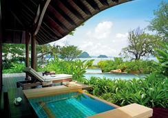 Phulay Bay Ritz-Carlton Reserve - Краби - Бассейн