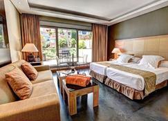 Artplatinum Suites & Apartments - Бенальмадена - Спальня