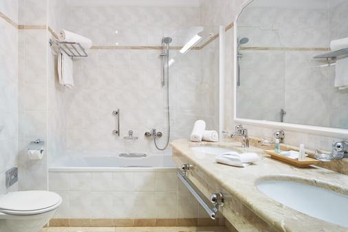 阿爾卑斯之家葛勢泰訥爾達飯店 - 巴特霍夫加施泰因 - 浴室