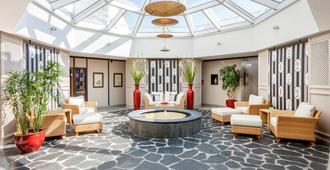 塞斯奇洛斯城公寓酒店 - 提門多夫 施特汗特 - 大廳