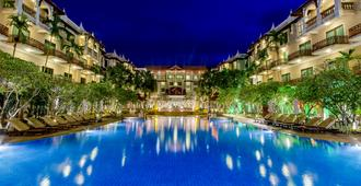 Sokha Angkor Resort - Ciudad de Siem Riep - Piscina