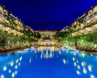 Sokha Angkor Resort - Siem Reap - Bể bơi