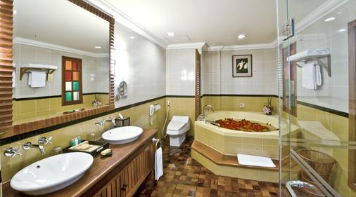 Sokha Angkor Resort - Siem Reap - Bathroom