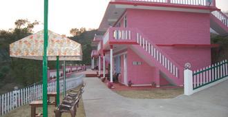 sunshine courtyard resort - Shimla