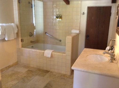 Forest Lodge - Carmel-by-the-Sea - Bathroom