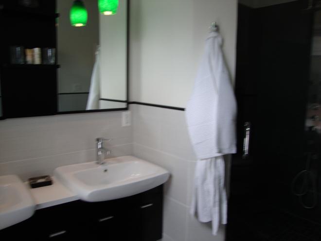 Blancnoir - Baltimore - Bathroom