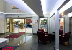 Red Roof Inn & Suites Calhoun - Calhoun - Lobby