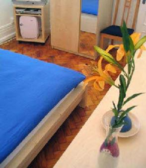 My Rainbow Rooms Gay Men's Guest House - Lisbon - Bedroom
