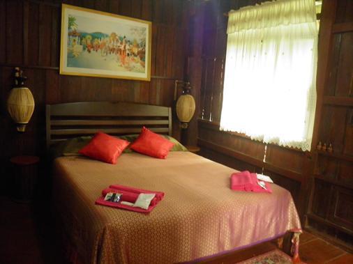 Romyen Garden Resort - Chiang Mai - Phòng ngủ