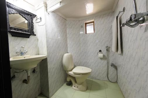 Nyatapola Guest House - Bhaktapur - Bathroom