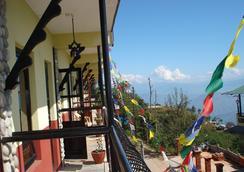 Resort Eco Home - Nagarkot - Balcony