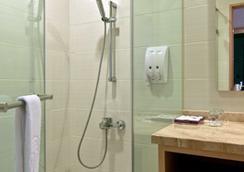 Ever Delightful Business Hotel - Chiayi City - Bathroom