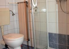 Bellevue Budapest B&B - Budapest - Bathroom