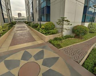 Bsa Twin Towers - Mandaluyong - Venkovní prostory