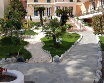 Hotel San Michele - Celle Ligure - Venkovní prostory