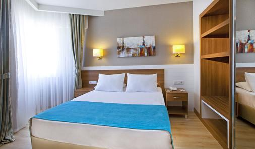 Grand Park Lara Hotel - Antalya - Makuuhuone