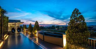 雅加達弗姆 7 號度假酒店 - 唐格朗 - 當格浪 - 天井