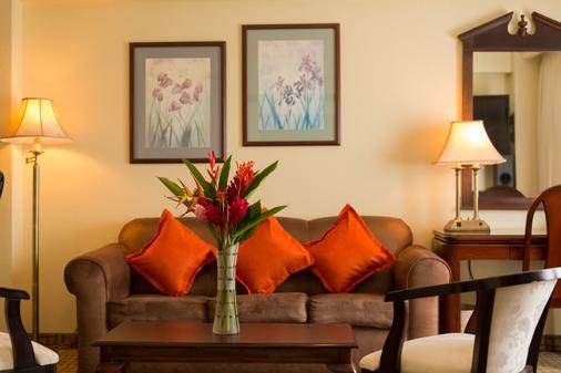 巴塞羅馬拿瓜酒店 - 馬拿瓜 - 馬拿瓜 - 客廳