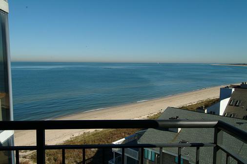 Delta Hotels by Marriott Virginia Beach Bayfront Suites - 弗吉尼亞海灘 - 陽台