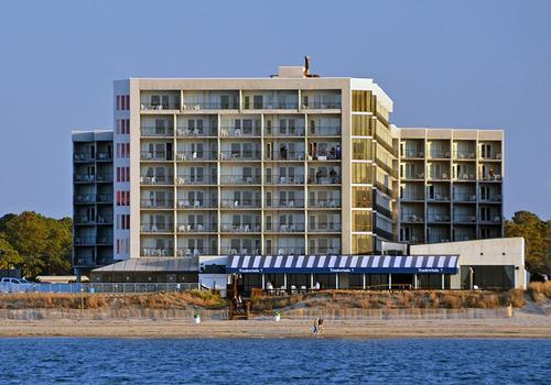 Virginia Beach Resort Hotel C$ 92 (C̶$̶ ̶1̶8̶8̶)  Virginia Beach