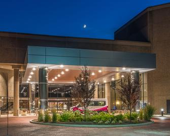 Crowne Plaza Princeton - Plainsboro - Building