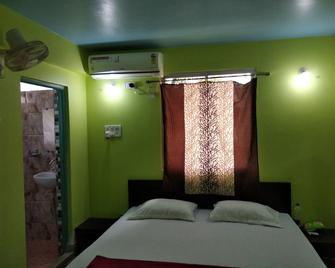 A India Guest House - Agartala - Bedroom