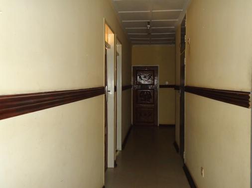 Flintstones Backpackers - Lusaka - Hallway