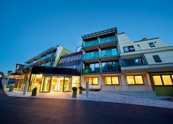 Hotel Vier Jahreszeiten - Loipersdorf bei Furstenfeld - Building