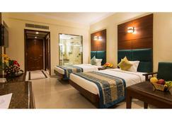 Shenbaga Hotel & Convention Centre - Puducherry - Bedroom